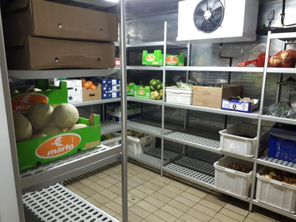 italmodular modular shelf shelving in use supplied by Sycro Distribution